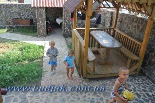 usadba_otdyha_u_nazariya_katranka_08.jpg