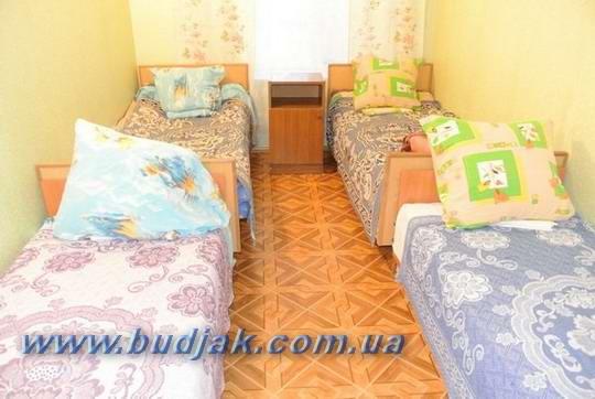 chastnyj-kottedzh-otdykha-oksamitovij-bereg-kurort-katranka_004.jpg