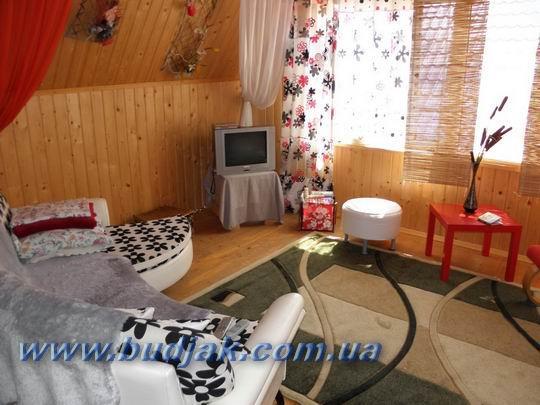lebedevka_gostevoj-dom-u-glebycha_21.jpg