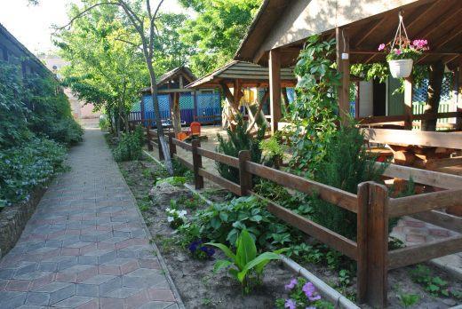 Беседки на базе отдыха Одиссей (курорт Лебедевка)