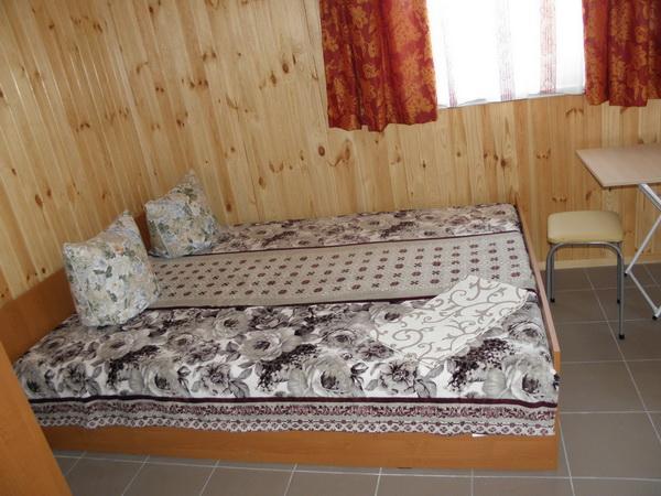Частный коттедж отдыха «Экокоплекс» на курорте Приморское