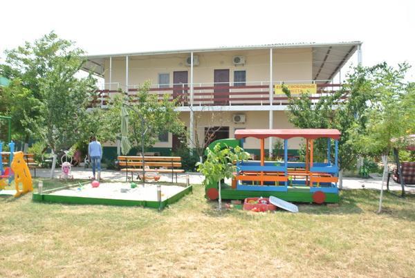 Частный комплекс отдыха «Бриз» курорт Рассейка 2015 год