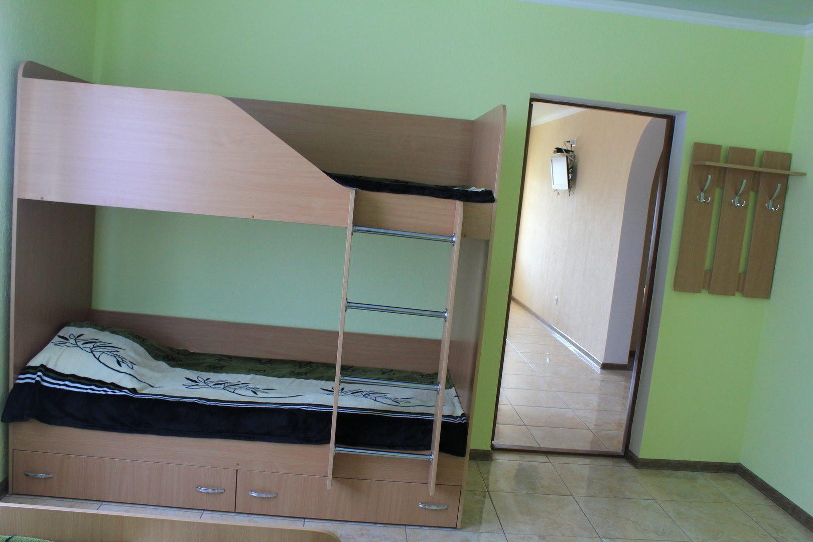 Частный коттедж отдыха «Радужный» на курорте Расcейка. Фото № 7952