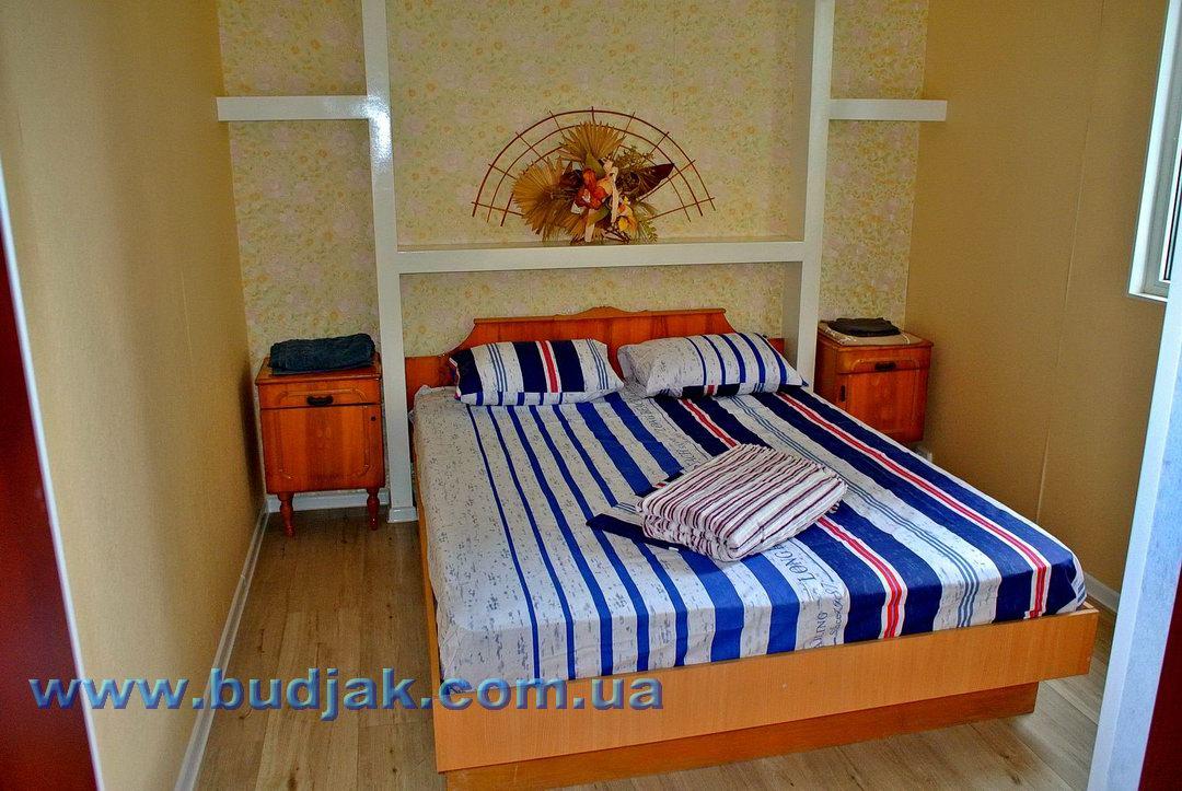 chastnaya-usadba-otdykha-domik-u-sosny-rassejka-05.jpg